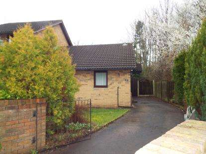 2 Bedrooms Bungalow for sale in Gresford Close, Callands, Warrington, Cheshire, WA5