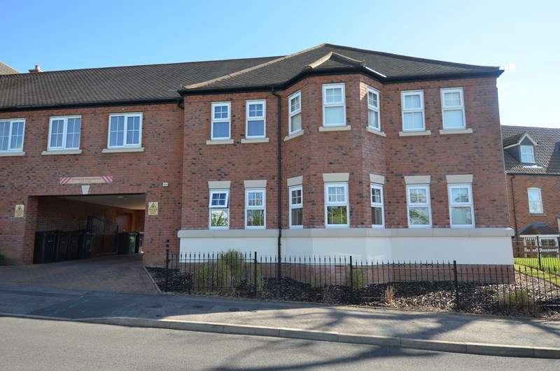 2 Bedrooms Flat for sale in Norton Close, Kings Norton, Birmingham