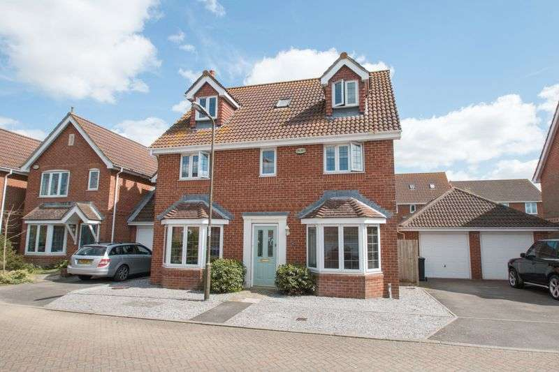 5 Bedrooms Detached House for sale in Nicolson Close, Tangmere