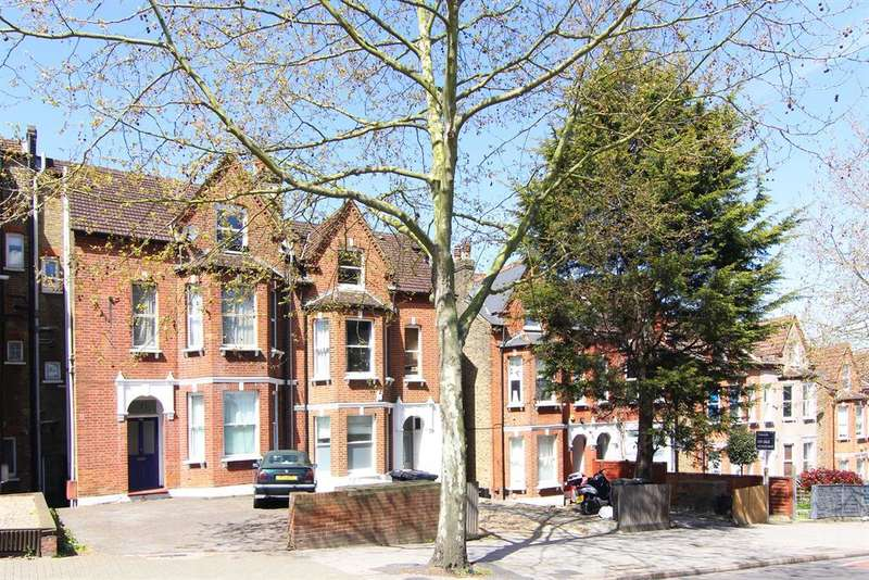 1 Bedroom Studio Flat for sale in Knights Hill, West Norwood, SE27