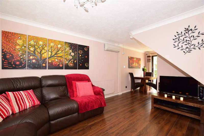 4 Bedrooms Detached House for sale in Postmill Drive, Maidstone, Kent