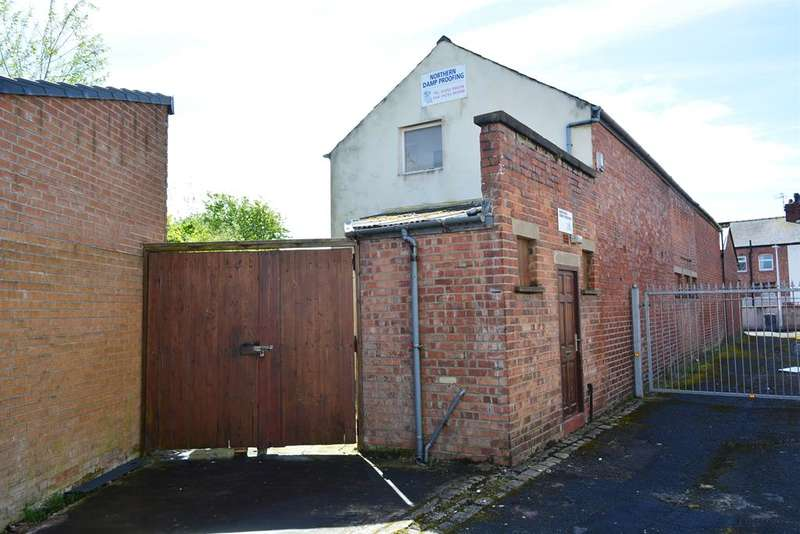 2 Bedrooms Semi Detached House for sale in Melrose Avenue, Layton, Blackpool, FY3 7ES