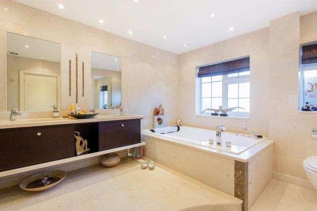 5 Bedrooms Detached House for sale in Dennis Lane Dennis Lane, Stanmore, HA7