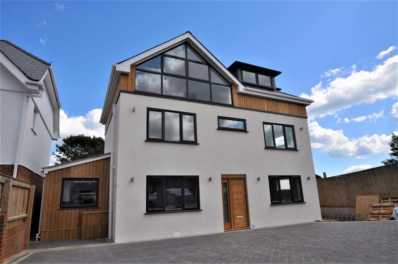 4 Bedrooms Detached House for sale in Excelsior Road Lower Parkstone