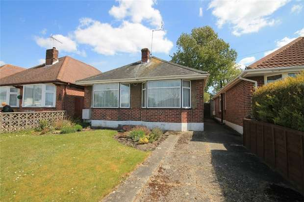 2 Bedrooms Detached Bungalow for sale in Oakdale, Poole, Dorset