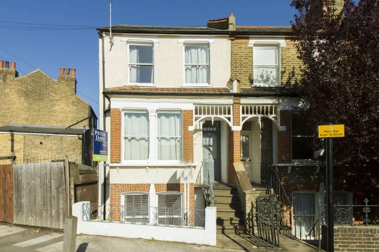 1 Bedroom Flat for sale in Victoria Way Charlton SE7