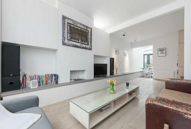 3 Bedrooms Terraced House for sale in Ravensworth Road, Kensal Green, London