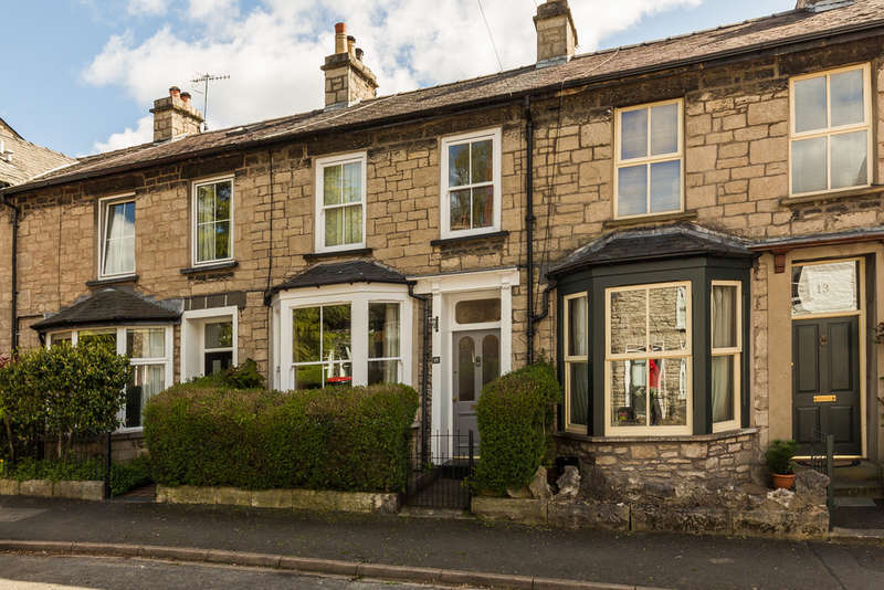 2 Bedrooms Terraced House for sale in 15 Green Road, Kendal, Cumbria LA9 4QR