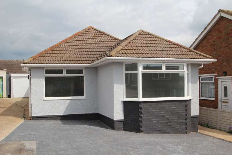 3 Bedrooms Detached Bungalow for sale in Oakdene Rise, Portslade, East Sussex, BN41 2RS