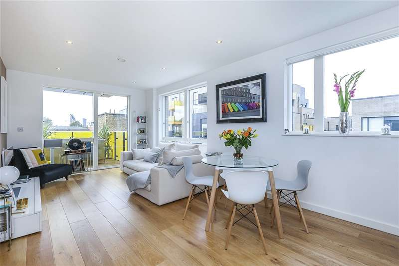 2 Bedrooms Flat for sale in Costermonger Building, 10 Arts Lane, London, SE16