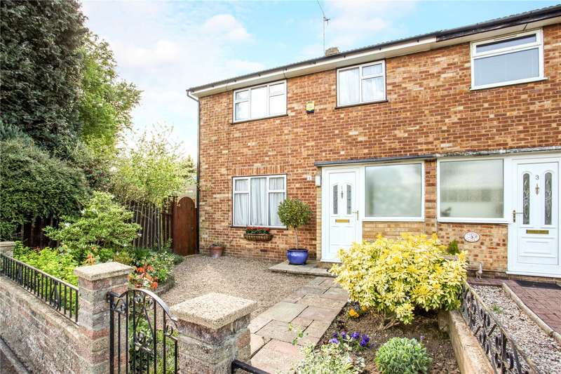 3 Bedrooms Semi Detached House for sale in Springate Field, Langley, SL3