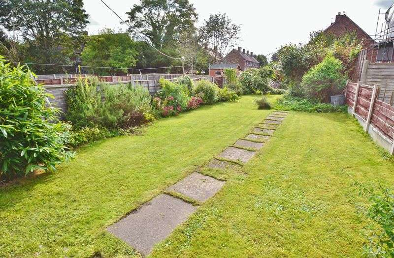 2 Bedrooms Terraced House for sale in Eccles Old Road, Salford