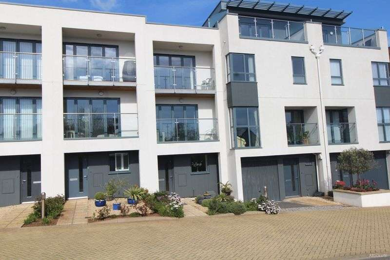 3 Bedrooms Terraced House for sale in Torbay Road , Torquay