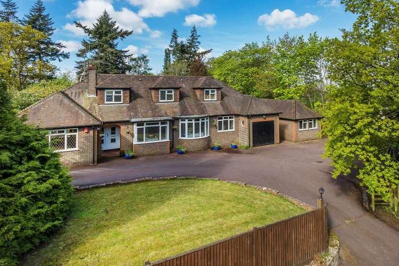 5 Bedrooms Detached House for sale in Swingate Road, Farnham