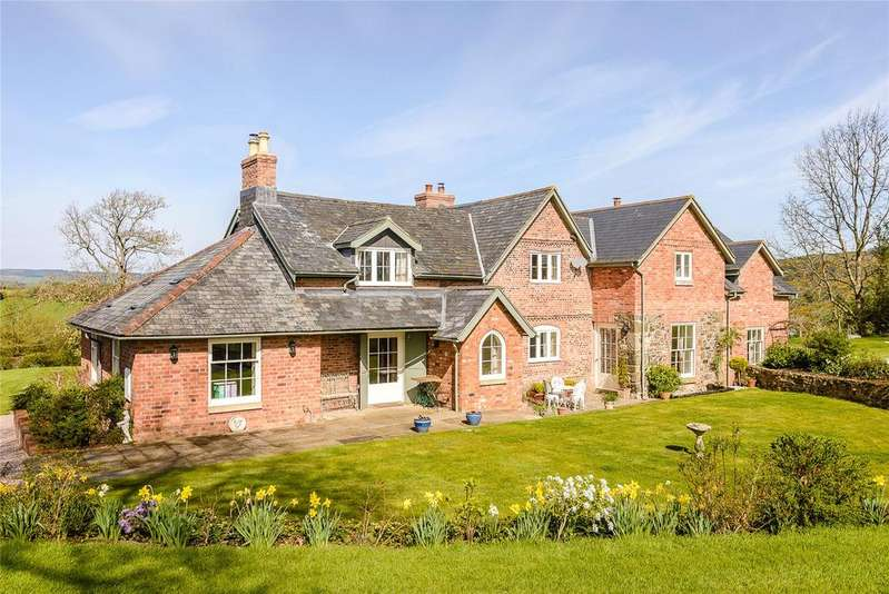 5 Bedrooms Detached House for sale in Llanfyllin, Powys