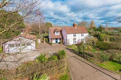 4 Bedrooms Detached House for sale in Ashwells Cottage, Ashwells Road, Bentley, Brentwood
