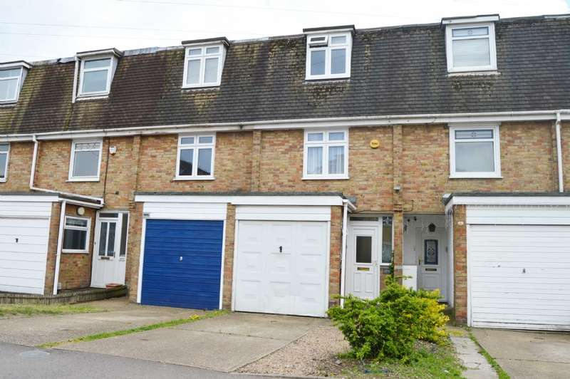 4 Bedrooms Town House for sale in Church Road, Harold Wood