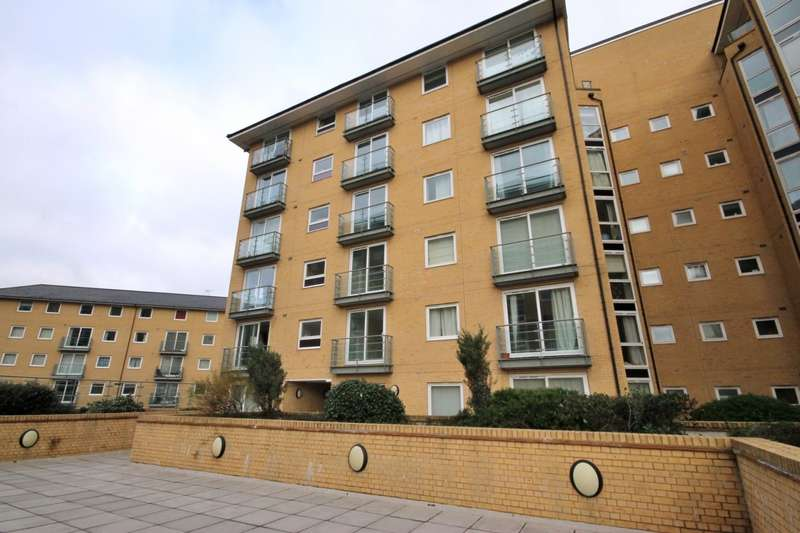 2 Bedrooms Flat for sale in Azalea House, Bedfont Lane, Feltham, TW13