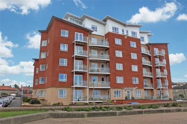 2 Bedrooms Flat for sale in Sandylands Promenade, Morecambe, Lancashire