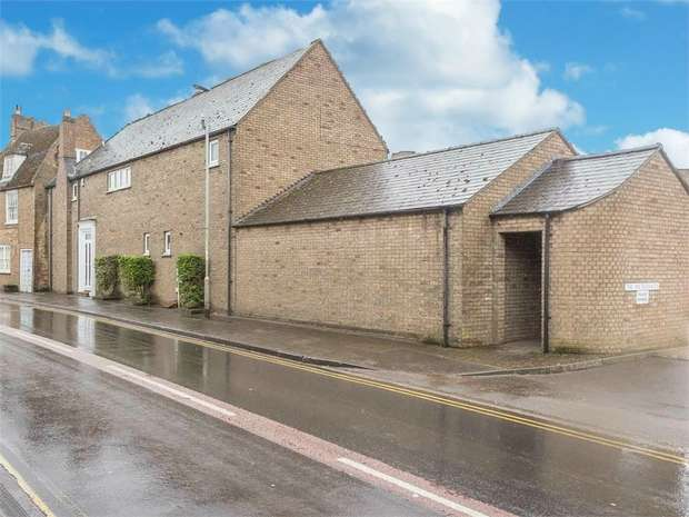 5 Bedrooms Detached House for sale in The Waterhaven, Earith, Huntingdon, Cambridgeshire