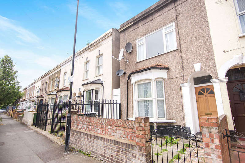 3 Bedrooms Semi Detached House for sale in Bignold Road, London, E7