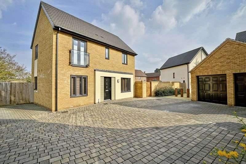 3 Bedrooms Detached House for sale in Little Paxton, St Neots