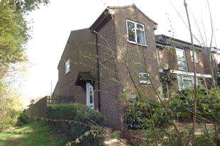3 Bedrooms Semi Detached House for sale in Rowan Walk, Crawley Down, West Sussex