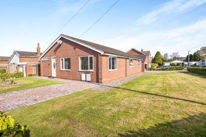4 Bedrooms Bungalow for sale in Dalehead Road, Leyland, Preston, .