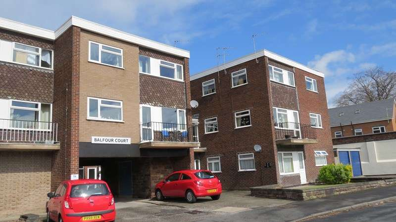 2 Bedrooms Duplex Flat for sale in Balfour Crescent, Wolverhampton