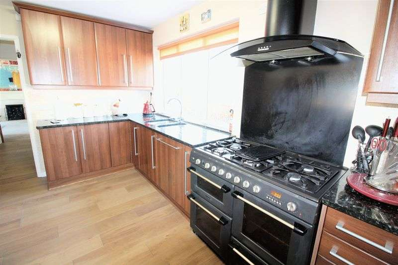 4 Bedrooms Detached House for rent in FURNISHED FOUR BEDROOM DETACHED HOME - available long or short term