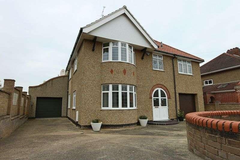 5 Bedrooms House for sale in Kirkley Park Road, Lowestoft