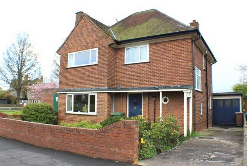 3 Bedrooms Detached House for sale in Shaftesbury Road, Bridlington, East Yorkshire