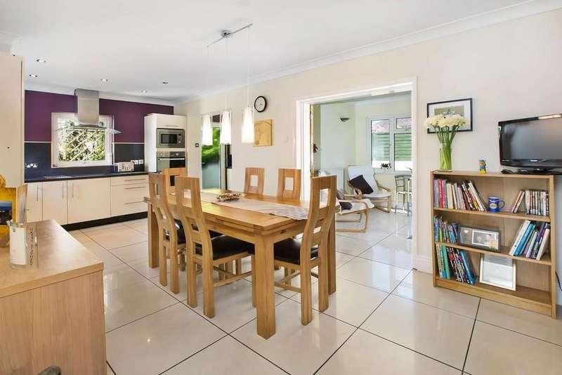 2 Bedrooms Detached Bungalow for sale in Lyndale Road, Kingsteignton, TQ12 3JN