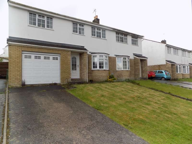 5 Bedrooms Semi Detached House for sale in Highfields, Brackla, Bridgend. CF31 2PE