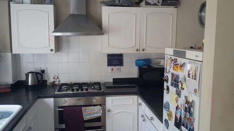 2 Bedrooms Terraced House for sale in Bunting Lane, Billericay
