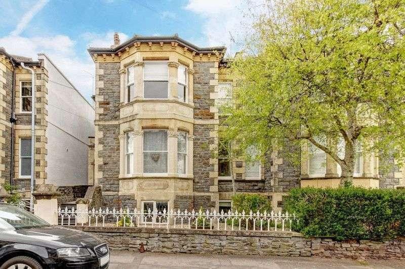 2 Bedrooms Flat for sale in Waverley Road, Redland