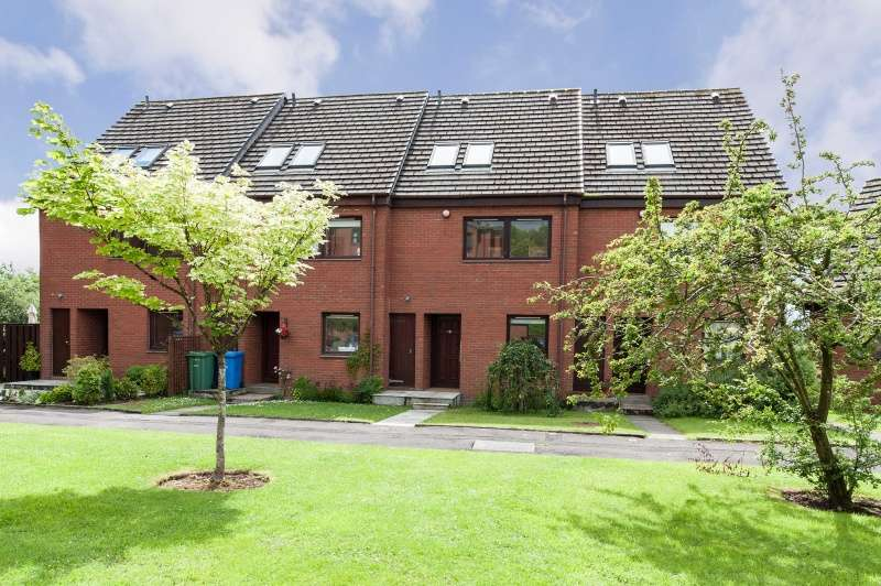 3 Bedrooms Terraced House for sale in Sandbank Crescent, Maryhill, Glasgow, G20 0PR