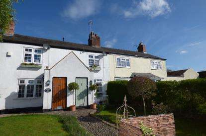 2 Bedrooms Terraced House for sale in Whitbarrow Road, Lymm, Cheshire