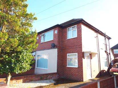 3 Bedrooms Semi Detached House for sale in Roscoe Avenue, Warrington, Cheshire