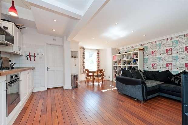 2 Bedrooms Maisonette Flat for sale in Spenser Road, Herne Hill