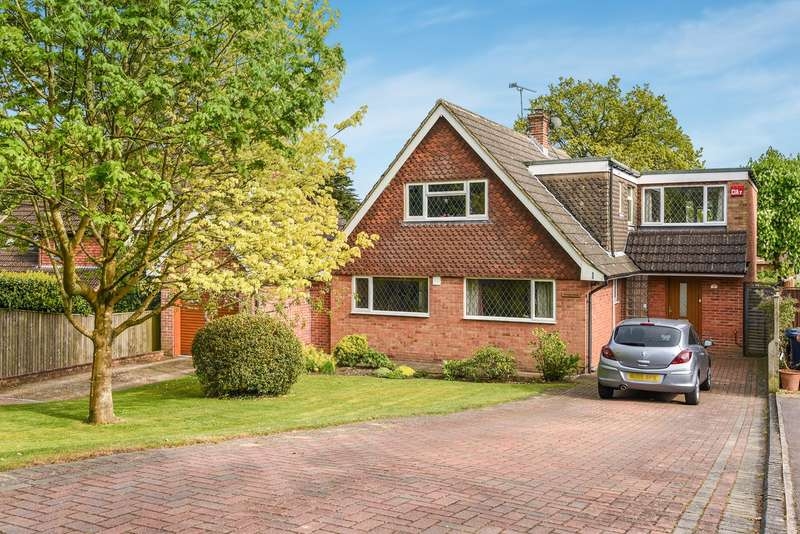 4 Bedrooms Detached House for sale in Beam Hollow, Farnham, GU9