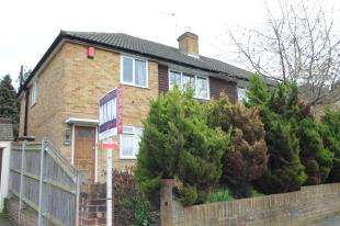 2 Bedrooms Maisonette Flat for sale in Violet Lane, Croydon