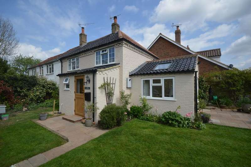 3 Bedrooms Semi Detached House for sale in High Street, Tittleshall