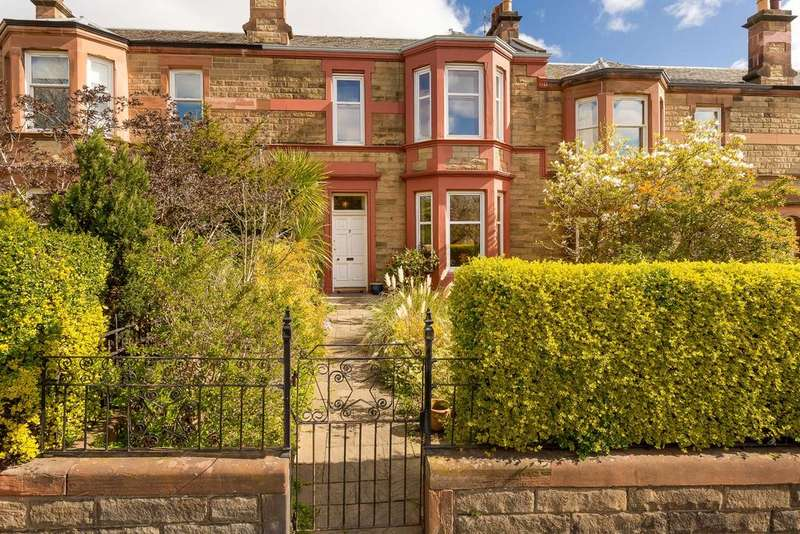 4 Bedrooms Terraced House for sale in 3 Hillview, Blackhall, EH4 2AB