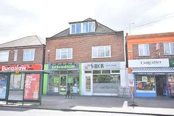 3 Bedrooms Flat for sale in Wimborne Road, Northbourne, BH10 7AJ