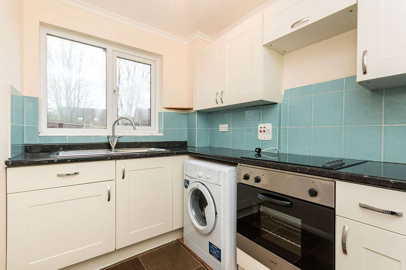 1 Bedroom Flat for sale in Hogarth Close, Basingstoke, RG21