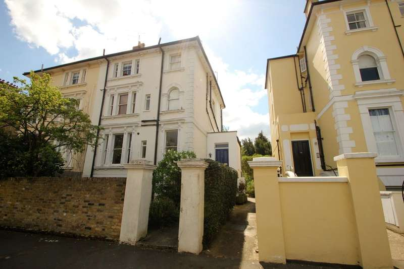 1 Bedroom Flat for sale in Kingston Upon Thames, Surrey
