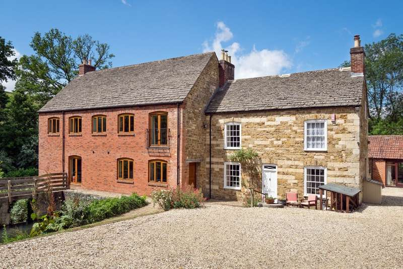 7 Bedrooms Detached House for sale in North Nibley
