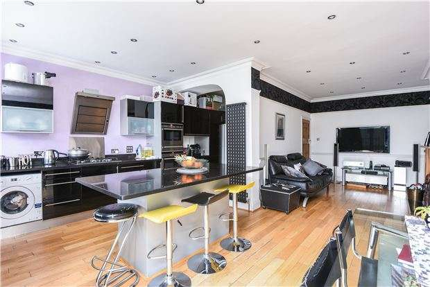 4 Bedrooms Terraced House for sale in Ardfern Avenue, London, SW16