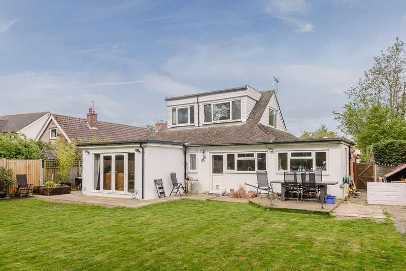 4 Bedrooms Detached Bungalow for sale in New Haw